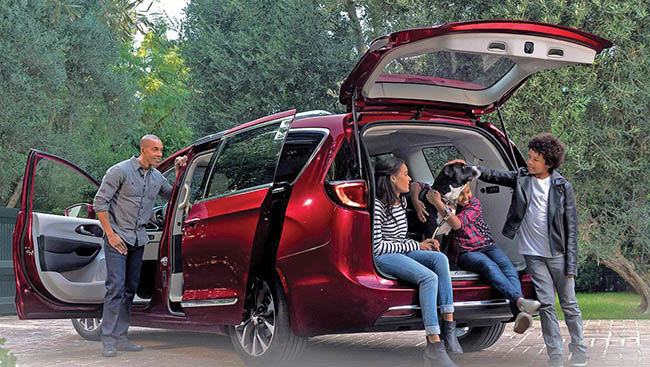 2017 Chrysler Pacifica: Upping the minivan ante