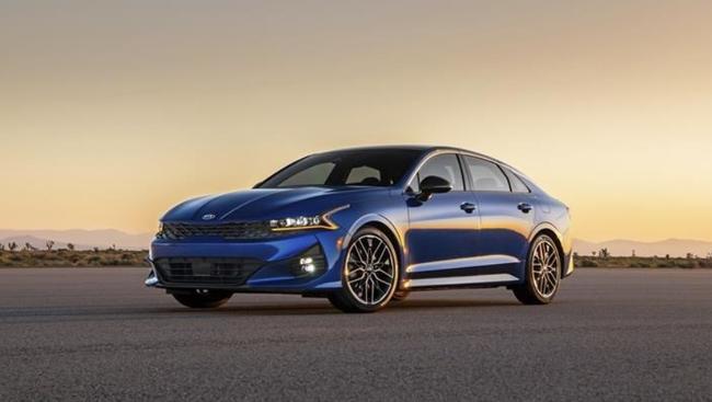 Edmunds: Five affordable sporty midsize sedans