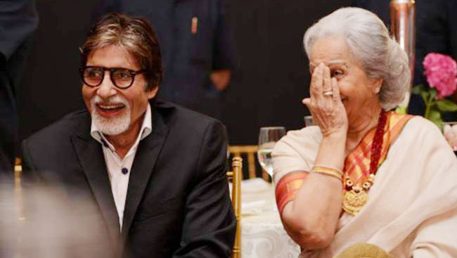 When Amitabh Bachchan Carried Waheeda Rehman's Footwear