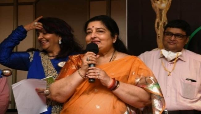 Anuradha Paudwal contributes to donation of cardiac ambulance