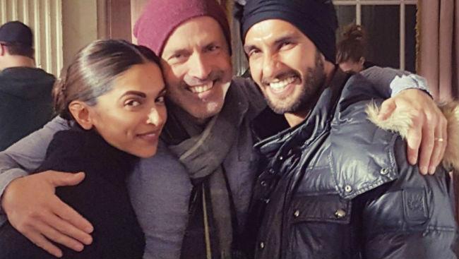 'Ghar Aaja, Batati Hoon': Deepika To Ranveer's Cheeky Comment