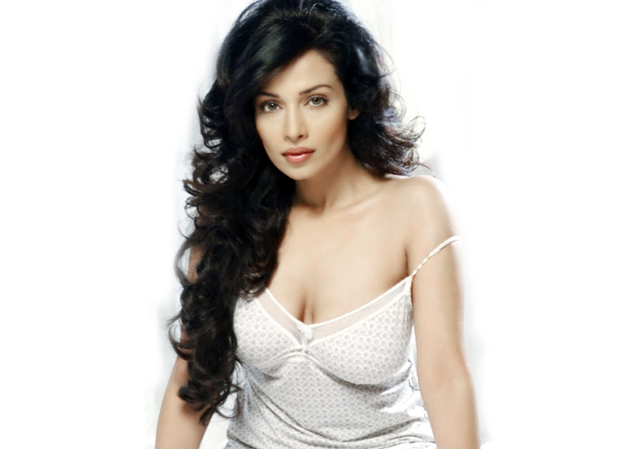 Flora Saini, The Actress Who Played Ghost In Stree Wants To Star With This South Heartthrob