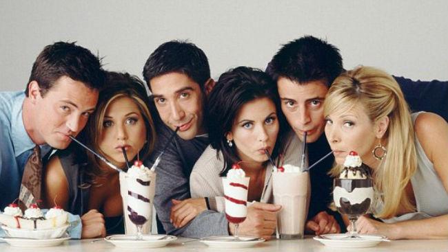 Lisa Kudrow, Courteney Cox Get Nostalgic As 'Friends' Turn 25
