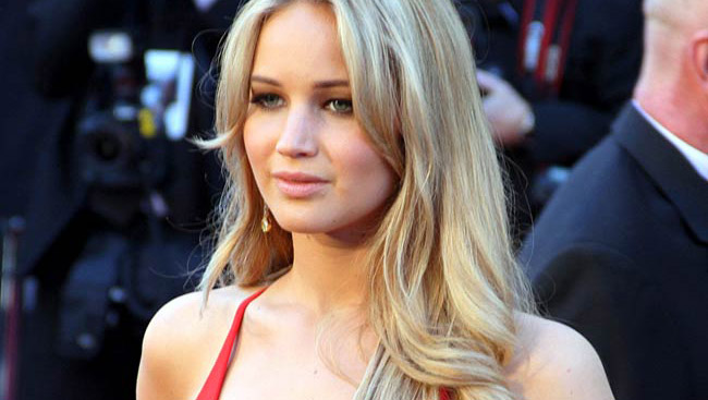 Jennifer Lawrence Gets Engaged