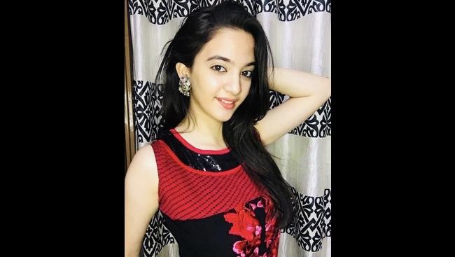 Young social media influencer Siya Kakkar commits suicide at the age of 16
