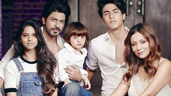 'Squeezing Memories Into One Frame': Shah Rukh Khan's Family Photo Goes Viral