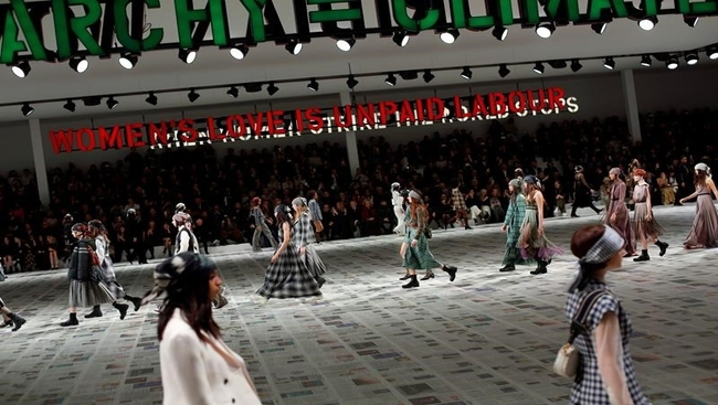 As Paris Fashion Week is streamed, critics look to future