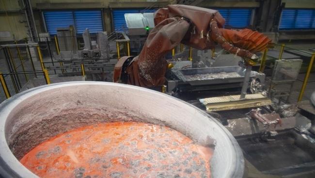 Champion of aluminum tariffs faces critics