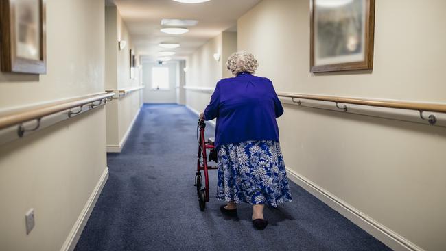 Care home staff shortage in COVID outbreak: report