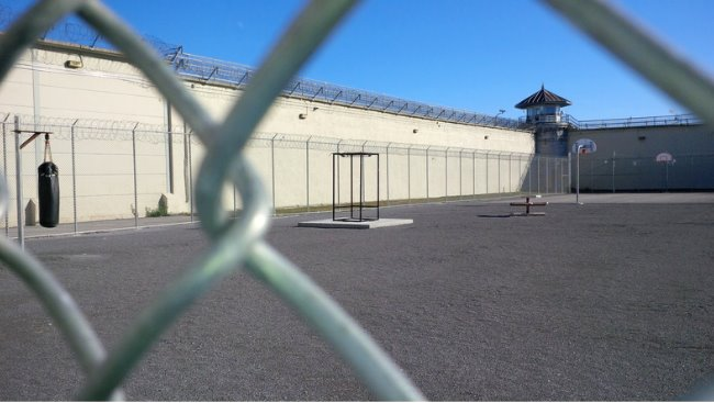 Federal prison chaplains ratify first contract