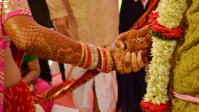 Not Money,  For Gift - 'Vote For Modi', Hyderabad Couple's Appeal In Wedding Invite
