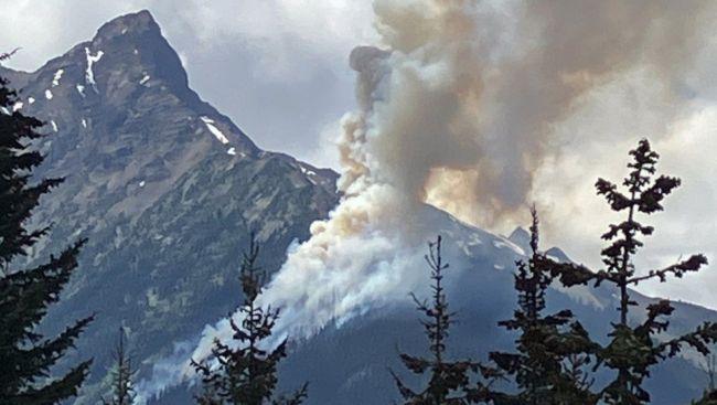 Fierce fire damages Kelowna, B.C., condo site