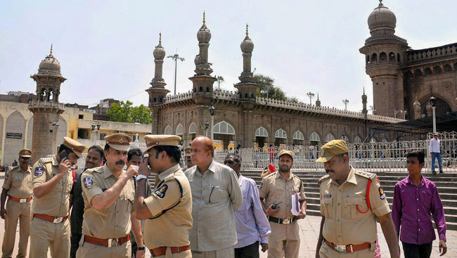 All 5 Accused In Mecca Masjid Blast Acquitted, Judge Quits