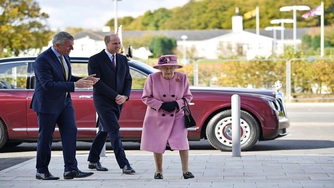Out and about again: Queen Elizabeth in visit with William