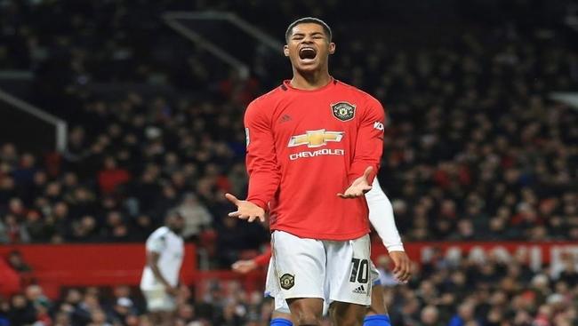 Rashford 1, Johnson 0: Soccer star wins U-turn on free meals