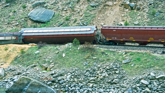 Families file lawsuit in fatal train derailment