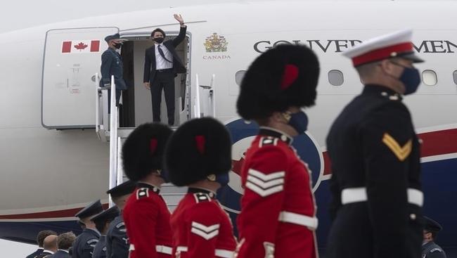 Vaccines in G7 spotlight as PM arrives in U.K.