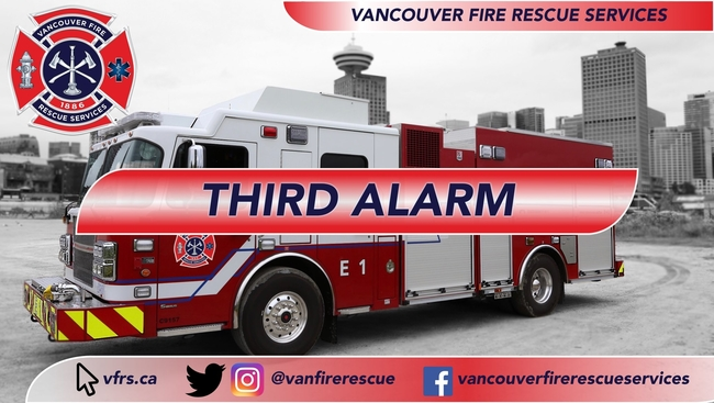 A big fire destroys an apartment building in South Vancouver