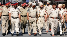1,300 Punjab Cops Moved From Vip Duties To Battle Corona