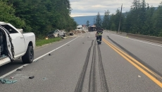 Wreckage of six-vehicle crash cleared near Sicamous