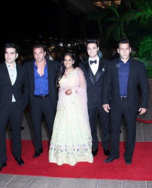 stars at arpita and aayushs reception