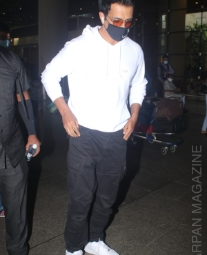 Sonu Sood snapped at the airport