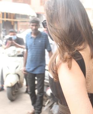 Parineeti Chopra flaunts her new haircut with color