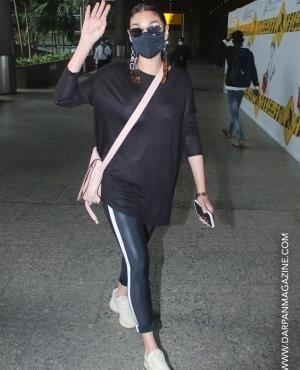 Aditi Rao Hydari in black at airport