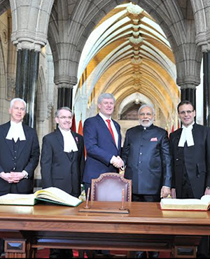 PM Modi in group photo with Canadian Parliamentarians at Confederation Hall of Canadian Parliament, Ottawa
