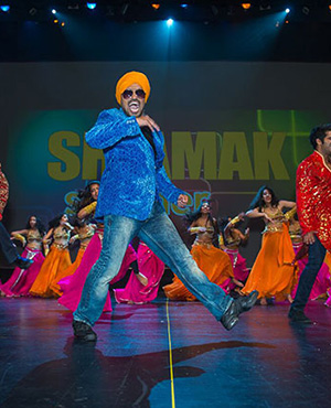 Singh is King! Rohan D'Silva rocks the stage.