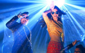 Gabru Ready To Mingle Hai Song ft Diana Penty, Mika Singh - Happy Bhag Jayegi