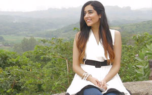 Manwa Laage feat. Jonita Gandhi