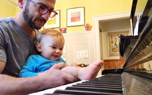This Kid Playing Piano With His Dad Is The Sweetest Thing You'll Watch Today